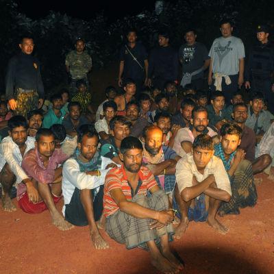 Flyktingar från Bangladesh som gripits av thailändsk polis i Thailand