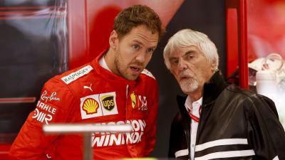Sebastian Vettel och Bernie Ecclestone i samspråk.