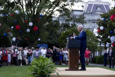 Joe Biden håller tal under självständighetsdagen i USA år 2021.