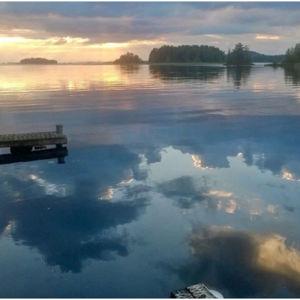 Laura Kolbe kesämaisemä järvi ilta kesä