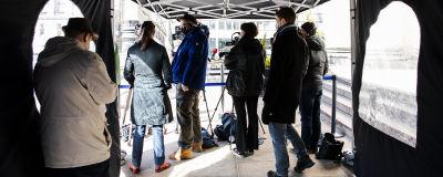 Journalister vid Ständerhuset i april 2021.