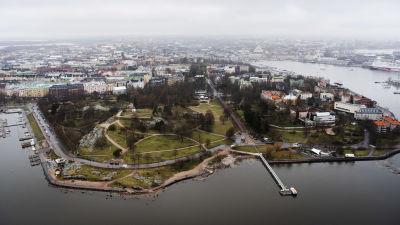 Flygfotografi av Brunnsparken maj, 2021.