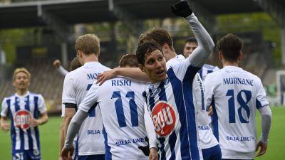 HJK firar efter segern över FC Lahti.