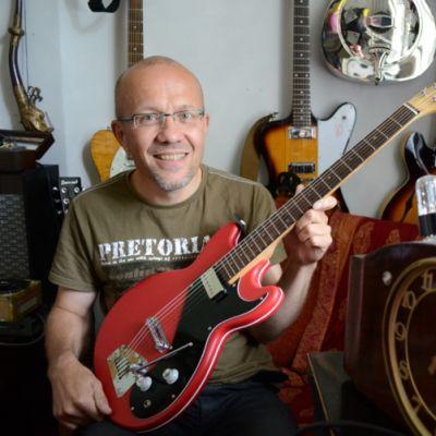 Hannu Pelkosen löytö Hofner -kitara ja itsetehty putkivahvistin