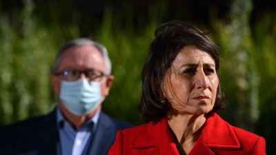 Delstaten New South Wales premiärminister Gladys Berejiklian informerade om de nya reglerna efter regeringens krismöte.
