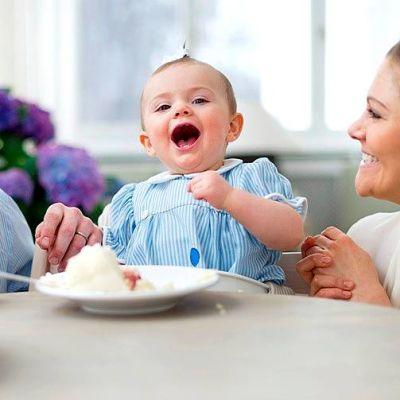 Prinsessa Estelle viettää yksivuotissyntymäpäiväänsä.