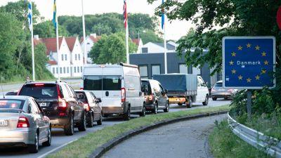 Bilköer vid tysk-danska gränsen vid Flensburg–Kruså.