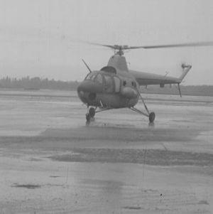 Mil-MI 1 –Helikopteri laskeutuu Malmin lentoasemalle 1960