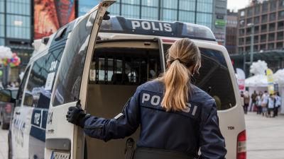 Poliisi Helsinki Kamppi