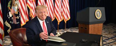 USA:s president Donald Trump undertecknar ett antal exekutiva order om coronatöd i New Jersey.