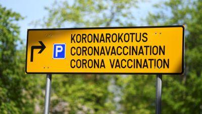 """Skylt där det står """"coronavaccination""""."""
