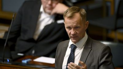 Mika Niikko i riksdagen.