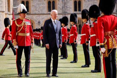 Pompa och ståt då president Joe Biden anländer till Windsor Castle 13.6.2021