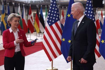 Ursula von der Leyen och Joe Biden i Bryssel 15.6.2021