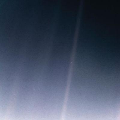 Voyager 1:n ottama kuva maapallosta