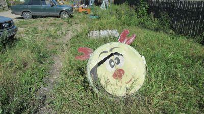 En tunna målad till clown.