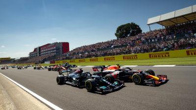 Verstappen och Hamilton går duell.
