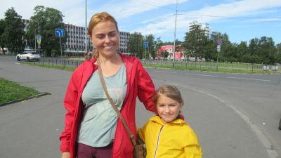 Jelena Sobinkina vill att lärarna skall vara entusiastiska. Dottern Anna börjar på tvåan i höst.