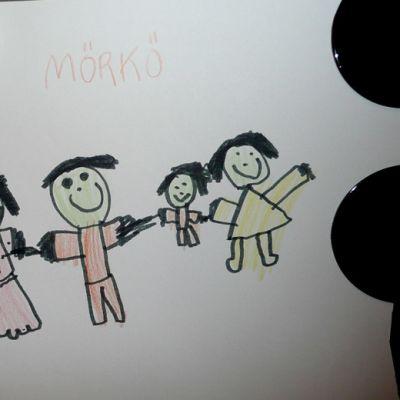 Lapsen piirrustus Tampereen turvakodin seinällä