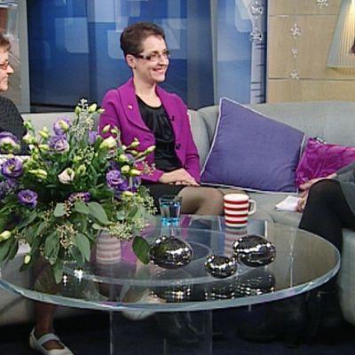 Outi Viitamaa-Tervonen (vas.) ja Anja Lahemaa