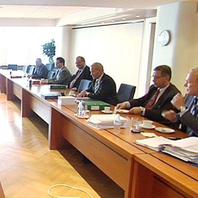 Etelärannassa on torstaina neuvoteltu sekä teknologia-alan sopimuksesta että laajasta tulosopimuksesta.