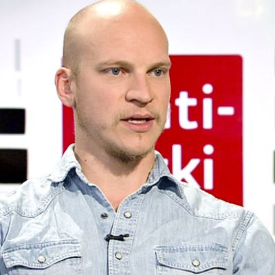 Näyttelijä Riku Nieminen.