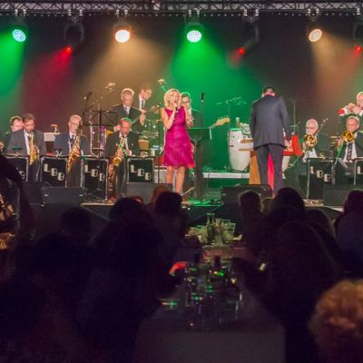 Lahti Big Band esiintyy solistinaan Elina Pakkanen.