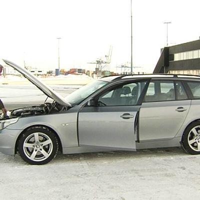 Jukka Kilpiö ja Saksasta ostettu BMW.