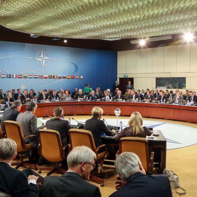 Naton päämaja Brysselissa liittoumaan kuuluvien maiden puolustusministerien kokouksen aikana kesäkuussa 2013.