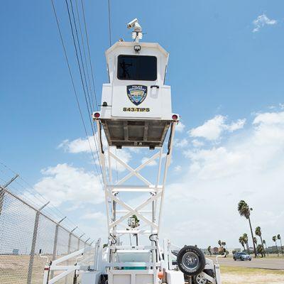 Valvontatorni Yhdysvaltain ja Meksikon välisellä raja-alueella