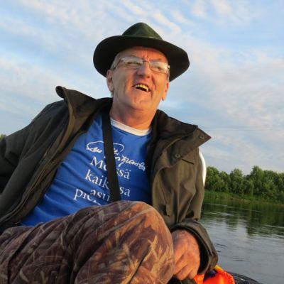 Alakemijoen kalastusalueen isännöitsijä Eero Yliniemi.