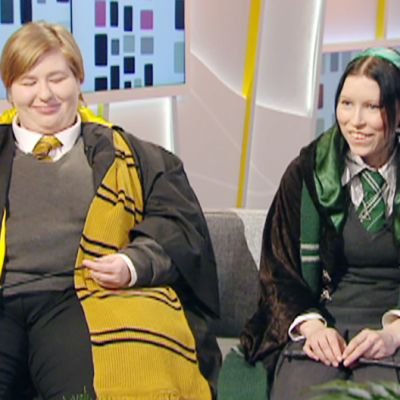 Harry Potter-fanit Aamu-tv:n studiossa.