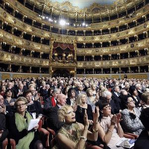 Teatro La Fenicen loppuunmyyty katsomo.