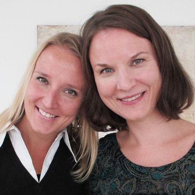 Pianistisiskokset Salla ja Tiina Karakorpi.