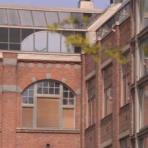 valmennuskoulun rakennus