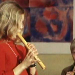 Steinerelever spelar flöjt, Yle 1983