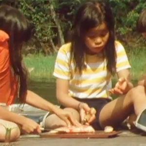 Barn med flytvästar, Yle 1983