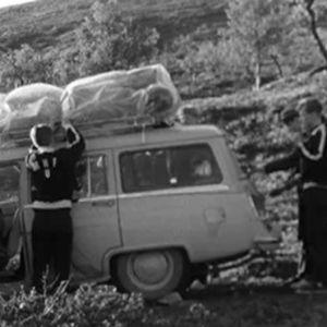 Bil lastad med campinggrejer, 1967
