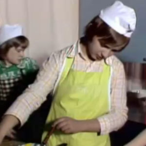 Hushållsundervisning i Sursik skola, 1975