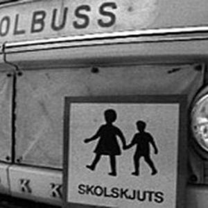 framsidan av en skolbuss