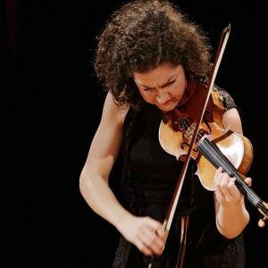 Saksalainen Sarah Christian Sibelius-viulukilpailussa 2015.