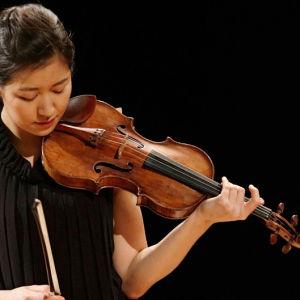 Yhdysvaltalainen Christel Lee Sibelius-viulukilpailussa 2015.