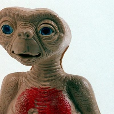Lelu elokuvahahmosta E.T. Extra Terrestial