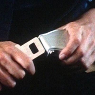 Händer med säkerhetsbälte i flyg, 1984