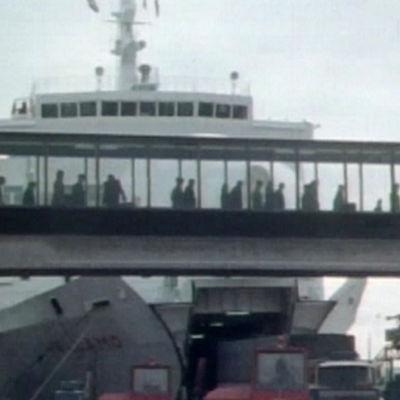 Landgång från Wellamo, 1977