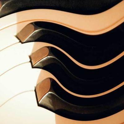 pianon koskettimisto, muokattu kuva