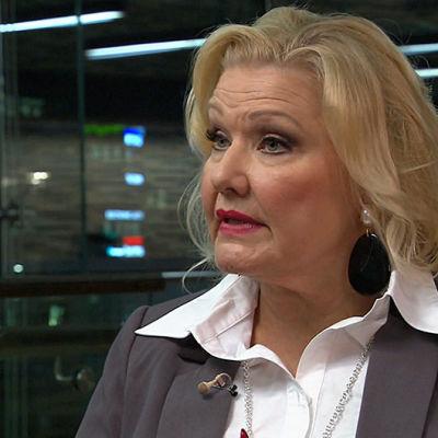 Sopraano Karita Mattila Hannu Linnun haastattelussa.
