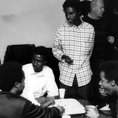 Somalipakolaisia vastaanottokeskuksessa (1989).