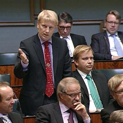 Kimmo Tiilikainen eduskunnassa vuonna 2011.