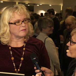Airi Tokola Kirsi Rissasen haastattelussa Lappeenrannan laulukilpailujen välierien tauolla 3.1.2016.